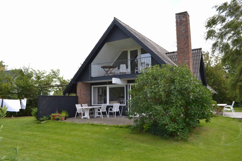 meeresblick ferienhaus und ferienwohnung auf der ferienhaus capella mit meeresblick hund. Black Bedroom Furniture Sets. Home Design Ideas